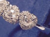 Recarlo Anniversary Love 3 cuori asimmetrici diamante taglio cuore colore E ct 0,70